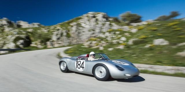 Combinação clássica da Porsche com o inesgotável Derek Bell