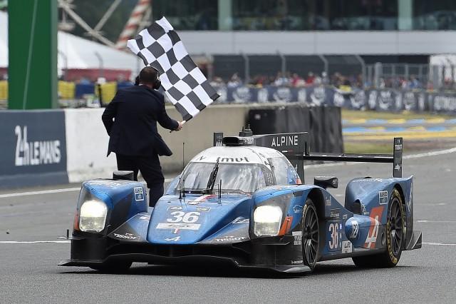 Lapierre liderou dois novatos da G-Drive para a vitória na LMP2