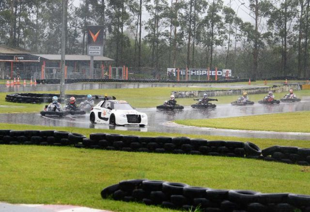 500 Milhas Lendas do Automobilismo reúne nata do kart e celebra 10 anos do  Velopark 555a1a1b2640f